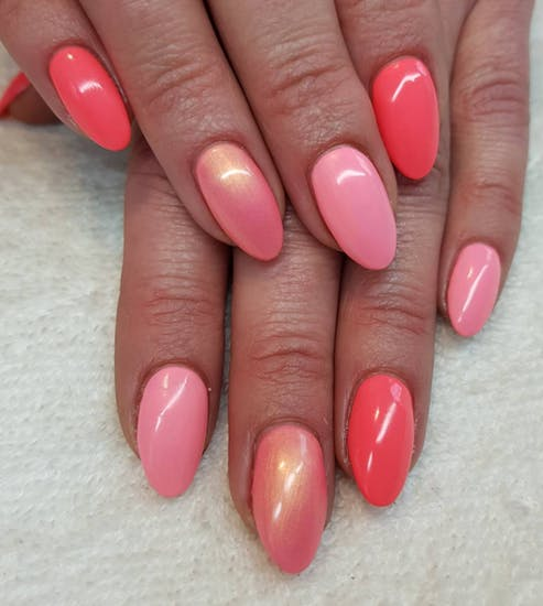 15 Simple Valentine\'s Day nail ideas you can do at home ...