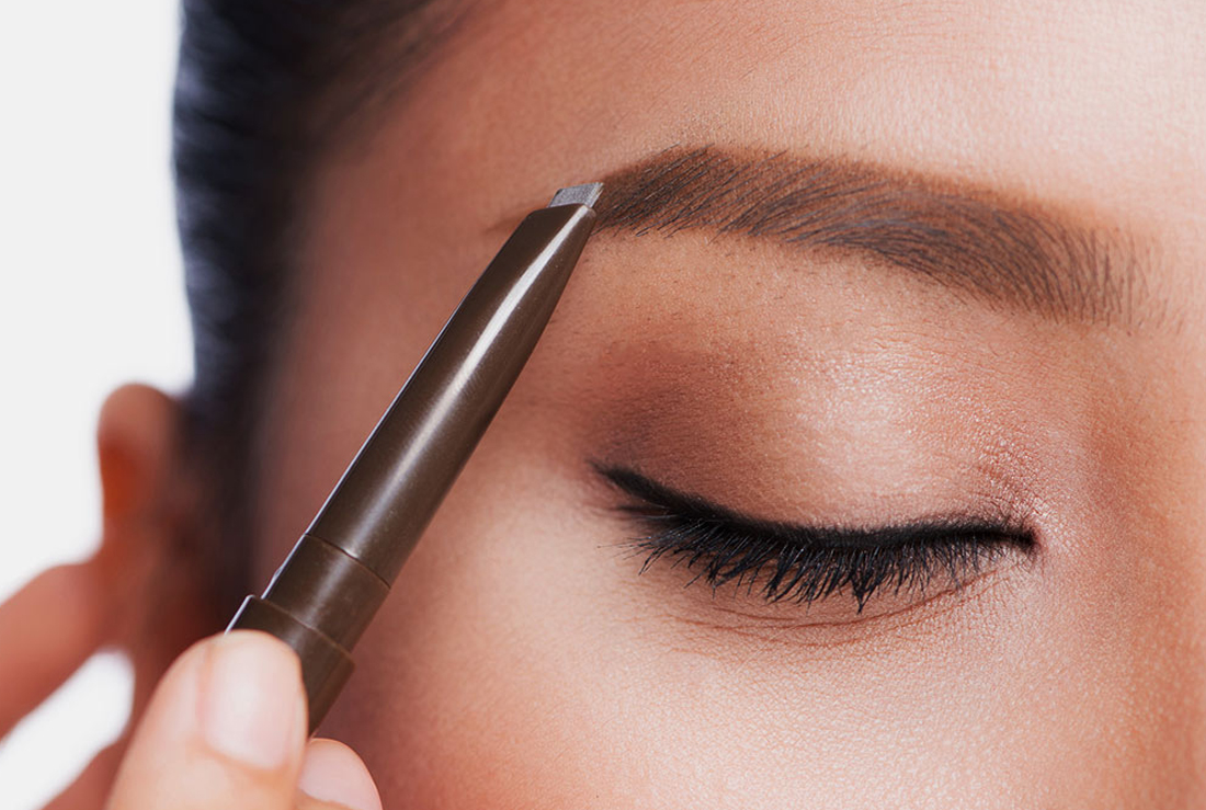 This Cool Trick Is The Best Way To Fill In Kalbo Eyebrows