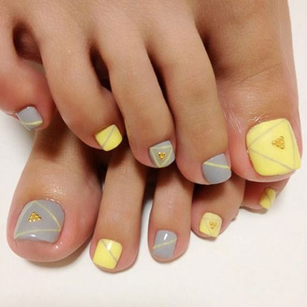 Nail Art Inspiration To Pretty Up Those Toes This Weekend